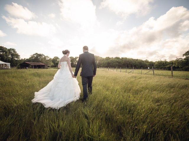 Le mariage de Benjamin et Estelle à Saint-Père-en-Retz, Loire Atlantique 2