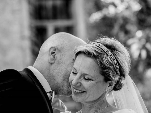 Le mariage de Stéphane et Isabelle à Igé, Saône et Loire 18