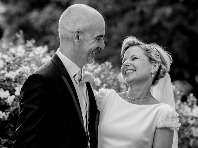 Le mariage de Stéphane et Isabelle à Igé, Saône et Loire 23