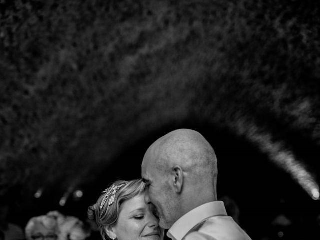 Le mariage de Stéphane et Isabelle à Igé, Saône et Loire 29