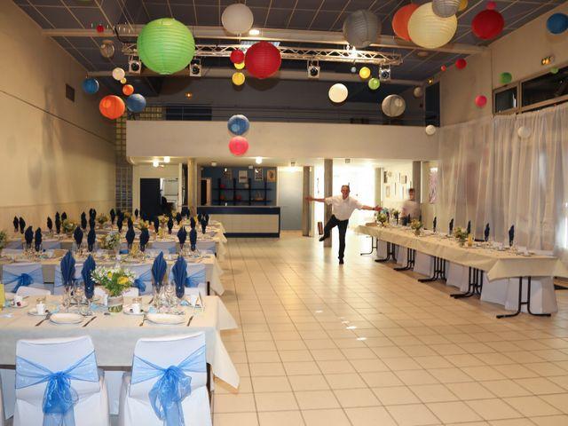 Le mariage de Simon et Floriane à Vienne-en-Val, Loiret 11