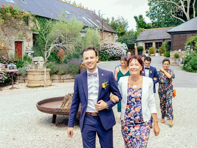 Le mariage de Vincent et Gwénaëlle  à Concarneau, Finistère 15