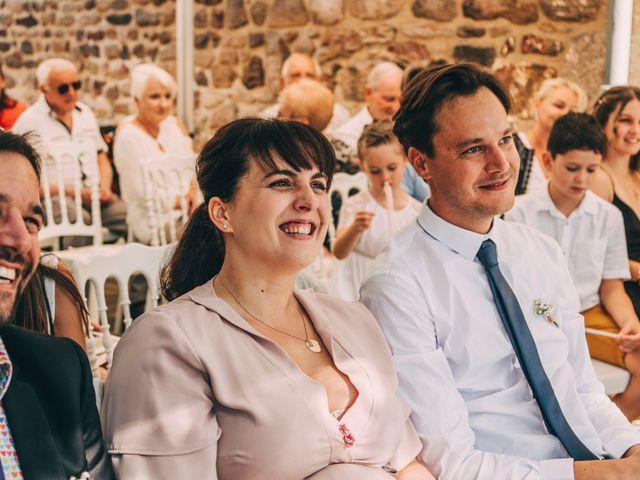 Le mariage de Mickaël et Amandine à Chambles, Loire 8