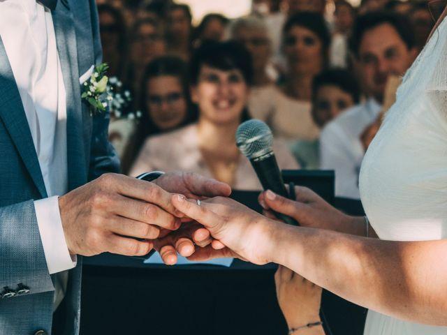Le mariage de Mickaël et Amandine à Chambles, Loire 17