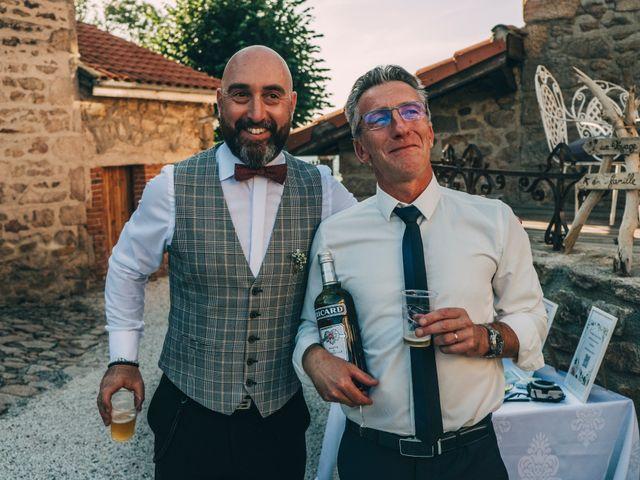 Le mariage de Mickaël et Amandine à Chambles, Loire 25