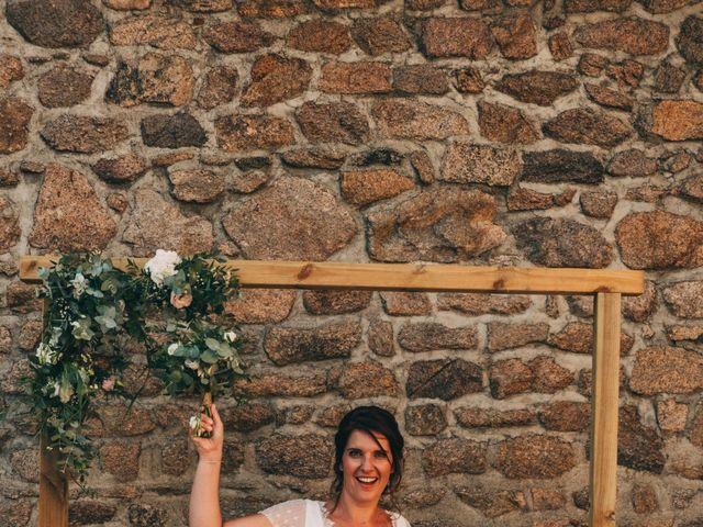 Le mariage de Mickaël et Amandine à Chambles, Loire 30