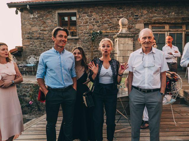 Le mariage de Mickaël et Amandine à Chambles, Loire 37