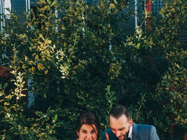 Le mariage de Mickaël et Amandine à Chambles, Loire 56