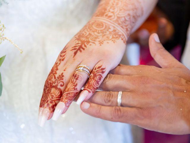 Le mariage de Mounir et Sarah à Troyes, Aube 27