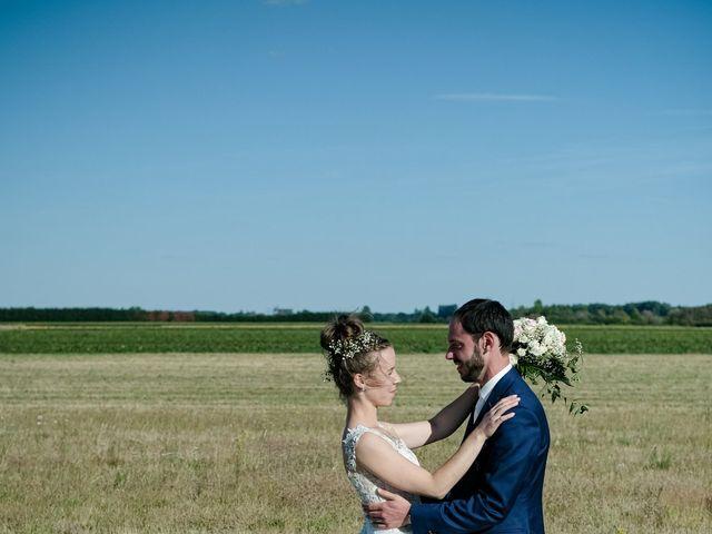 Le mariage de Florian et Cynthia à Châteauneuf, Loire 3