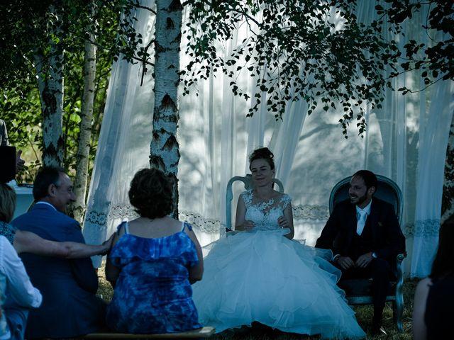 Le mariage de Florian et Cynthia à Châteauneuf, Loire 6