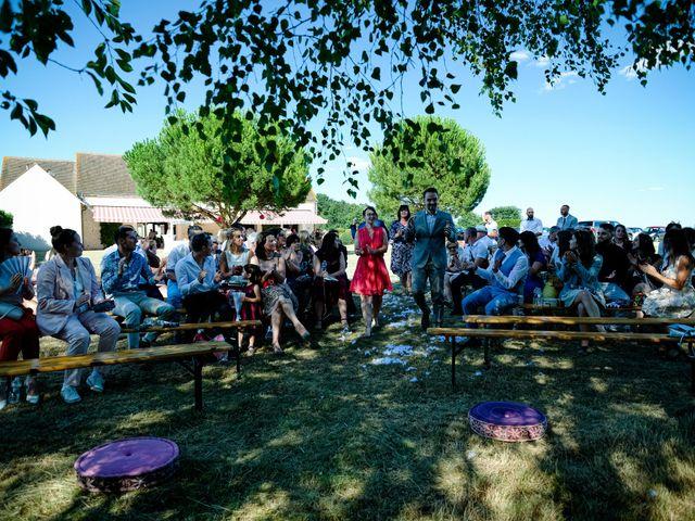 Le mariage de Florian et Cynthia à Châteauneuf, Loire 10