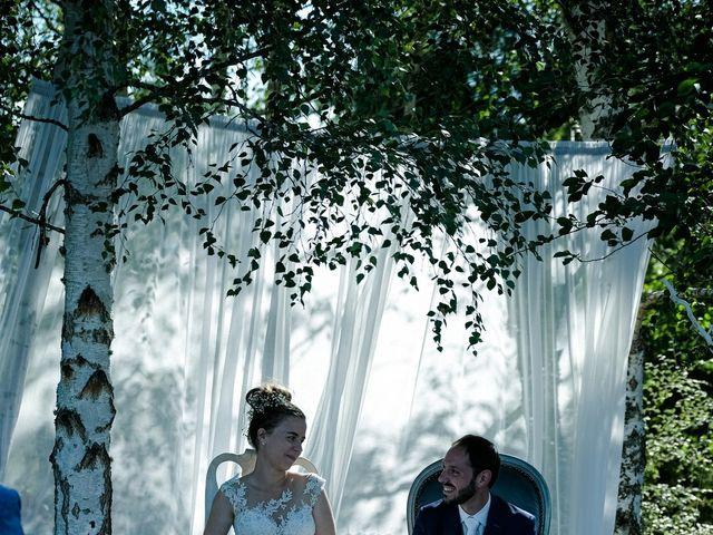 Le mariage de Florian et Cynthia à Châteauneuf, Loire 12