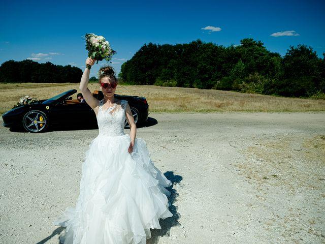 Le mariage de Florian et Cynthia à Châteauneuf, Loire 15