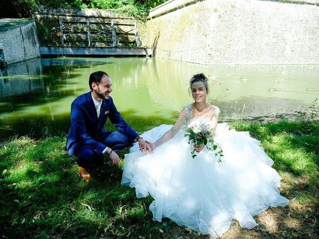 Le mariage de Florian et Cynthia à Châteauneuf, Loire 22