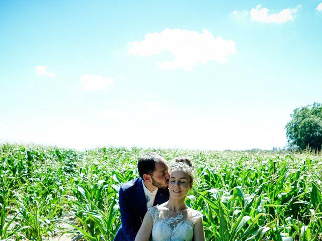 Le mariage de Florian et Cynthia à Châteauneuf, Loire 23