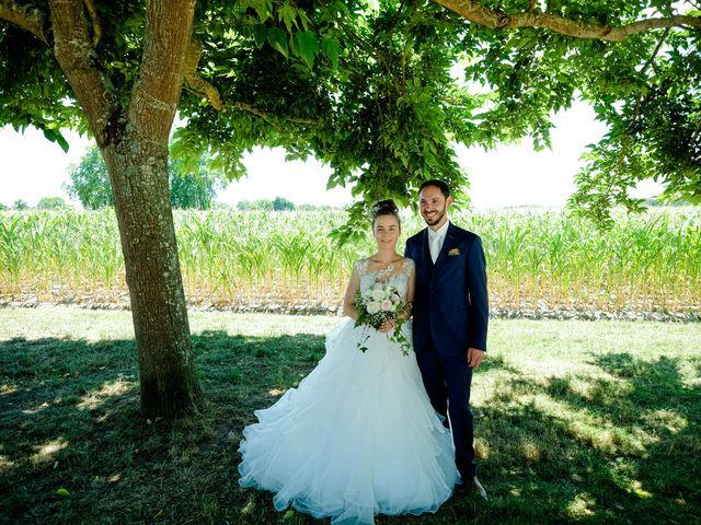 Le mariage de Florian et Cynthia à Châteauneuf, Loire 25