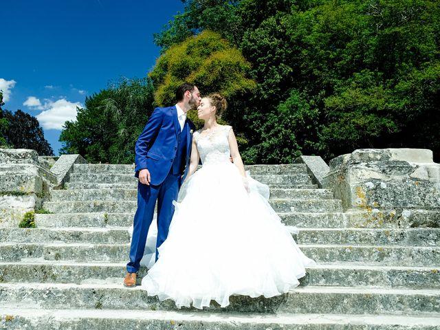 Le mariage de Florian et Cynthia à Châteauneuf, Loire 26