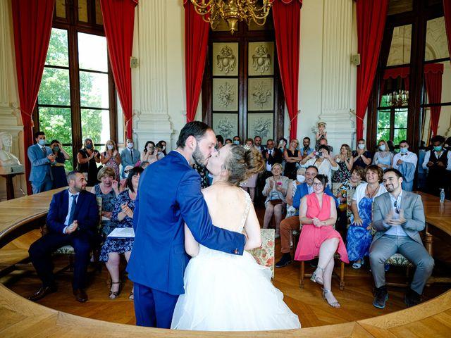 Le mariage de Florian et Cynthia à Châteauneuf, Loire 1