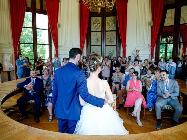 Le mariage de Florian et Cynthia à Châteauneuf, Loire 32