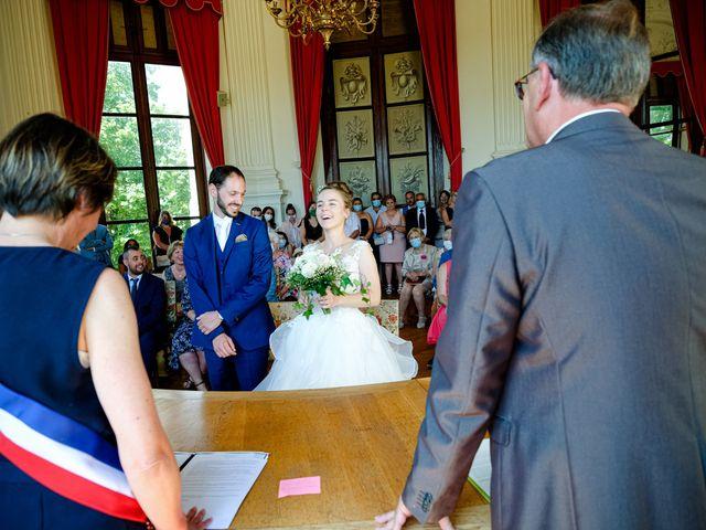 Le mariage de Florian et Cynthia à Châteauneuf, Loire 33