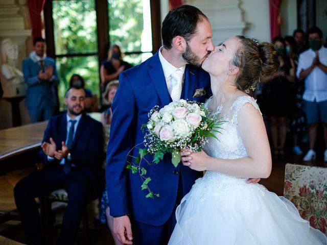 Le mariage de Florian et Cynthia à Châteauneuf, Loire 34