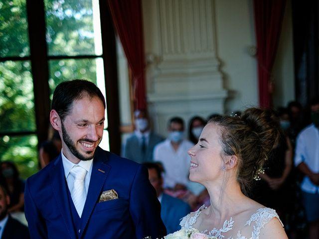 Le mariage de Florian et Cynthia à Châteauneuf, Loire 35