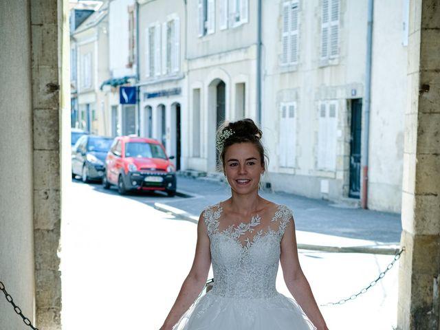 Le mariage de Florian et Cynthia à Châteauneuf, Loire 38