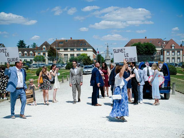 Le mariage de Florian et Cynthia à Châteauneuf, Loire 39