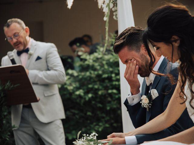 Le mariage de Nicolas et Leslie à Nans-les-Pins, Var 11