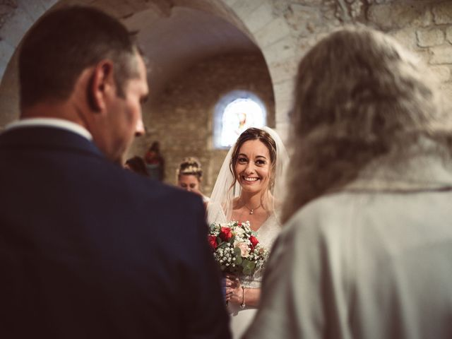 Le mariage de Benoit et Anais à Antonne-et-Trigonant, Dordogne 33