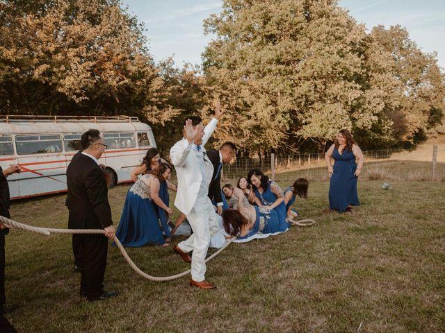 Le mariage de Anthony et Hélène à Tiffauges, Vendée 56