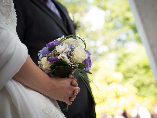 Le mariage de Lauriane et Matthieu à Saint-Séverin, Charente 15