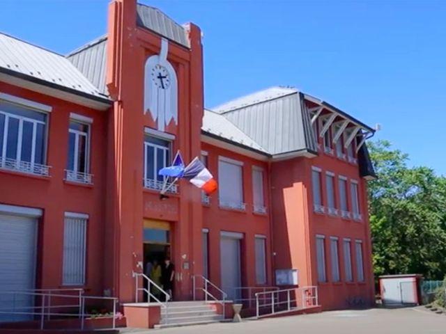 Le mariage de Adrien et Laura à Bourg-en-Bresse, Ain 10