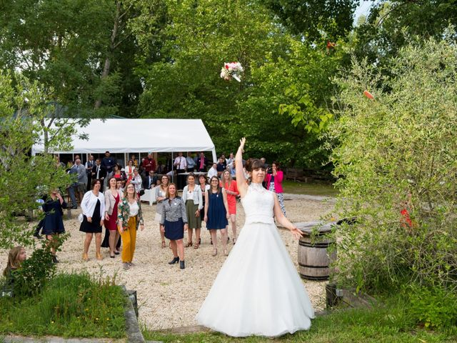 Le mariage de Damien et Laure à Mirambeau, Charente Maritime 11
