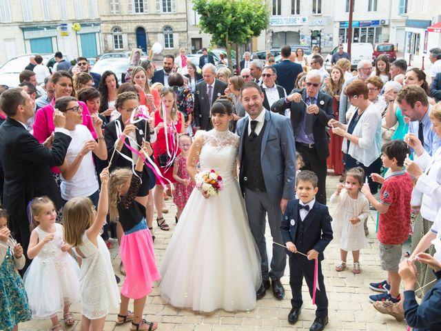Le mariage de Damien et Laure à Mirambeau, Charente Maritime 16