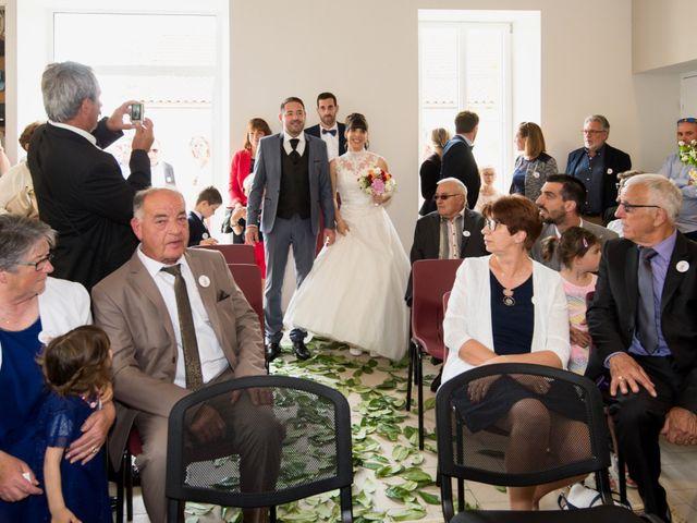 Le mariage de Damien et Laure à Mirambeau, Charente Maritime 23