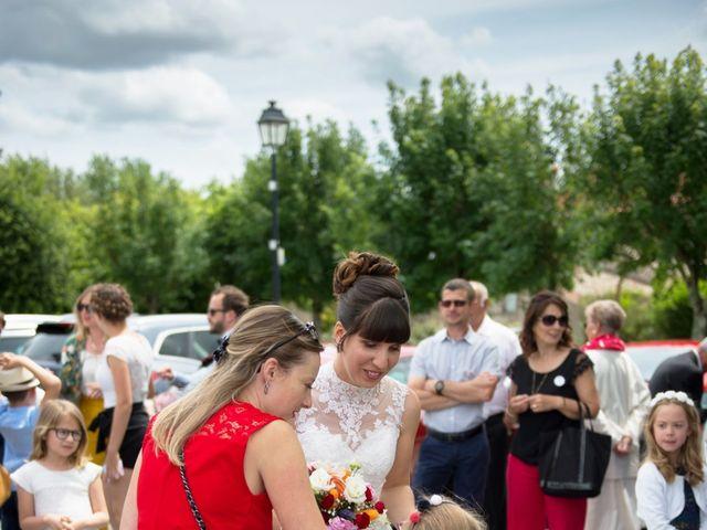 Le mariage de Damien et Laure à Mirambeau, Charente Maritime 24