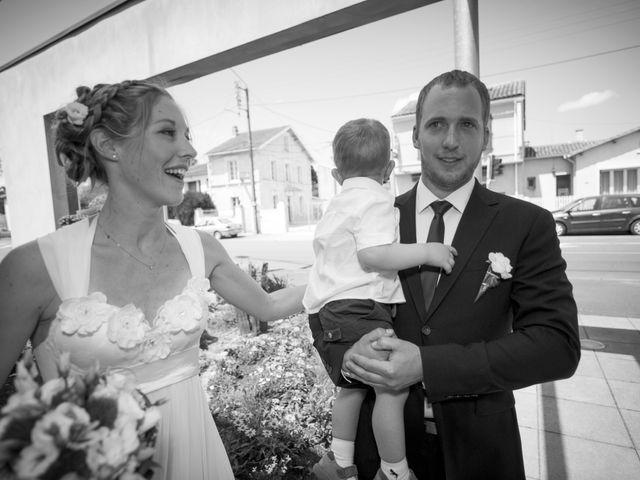 Le mariage de Xavier et Julie à Angoulême, Charente 35