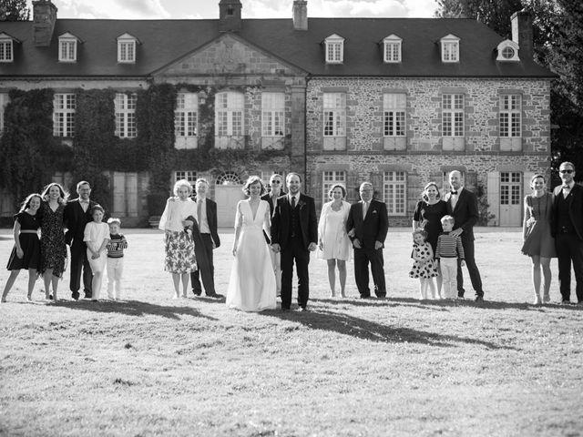Le mariage de Pierre et Clara à Saint-Ouen-la-Rouërie, Ille et Vilaine 37