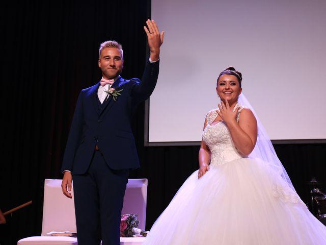 Le mariage de Romain et Camille à Hem, Nord 1
