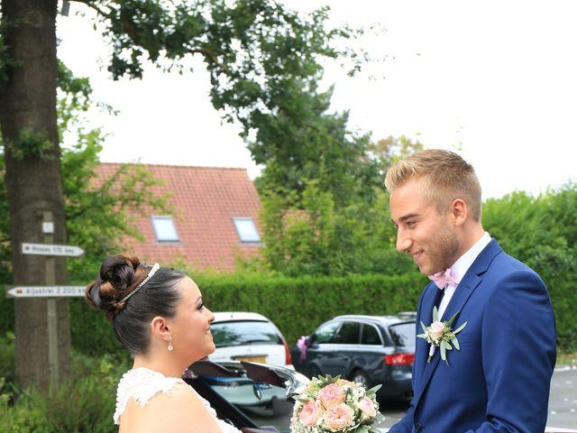 Le mariage de Romain et Camille à Hem, Nord 30