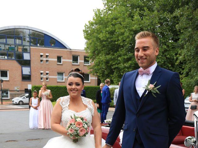 Le mariage de Romain et Camille à Hem, Nord 31