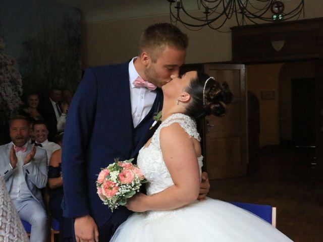 Le mariage de Romain et Camille à Hem, Nord 37