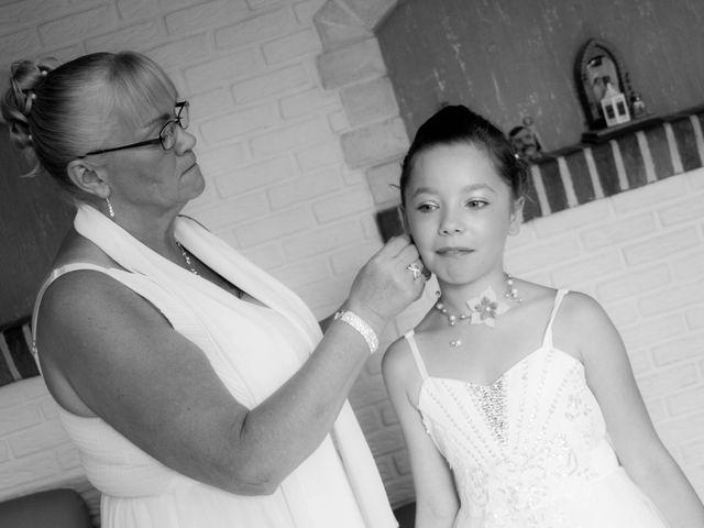 Le mariage de Laurent et Emilie à Monchecourt, Nord 12
