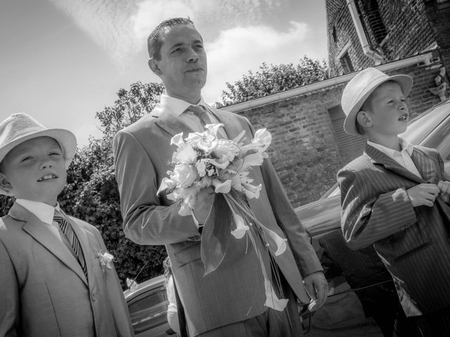 Le mariage de Laurent et Emilie à Monchecourt, Nord 2
