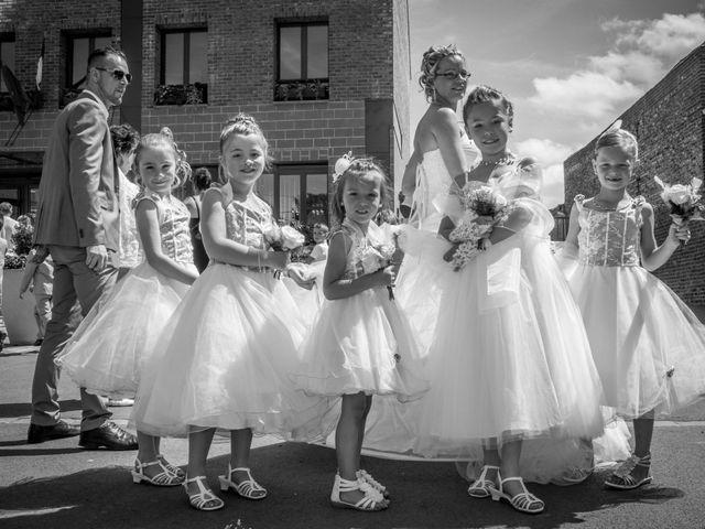 Le mariage de Laurent et Emilie à Monchecourt, Nord 59