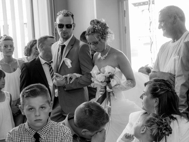 Le mariage de Laurent et Emilie à Monchecourt, Nord 62