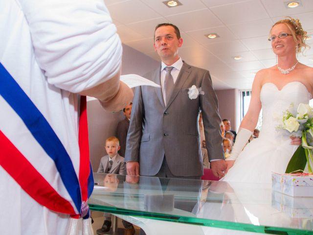 Le mariage de Laurent et Emilie à Monchecourt, Nord 66