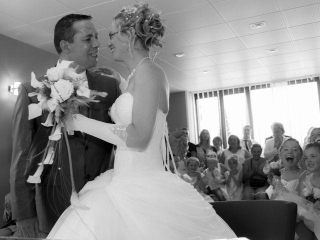 Le mariage de Laurent et Emilie à Monchecourt, Nord 67